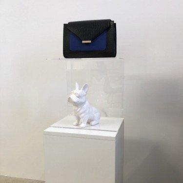 présentoir plexiglas double niveau d'exposition pour l'aménagement de boutique